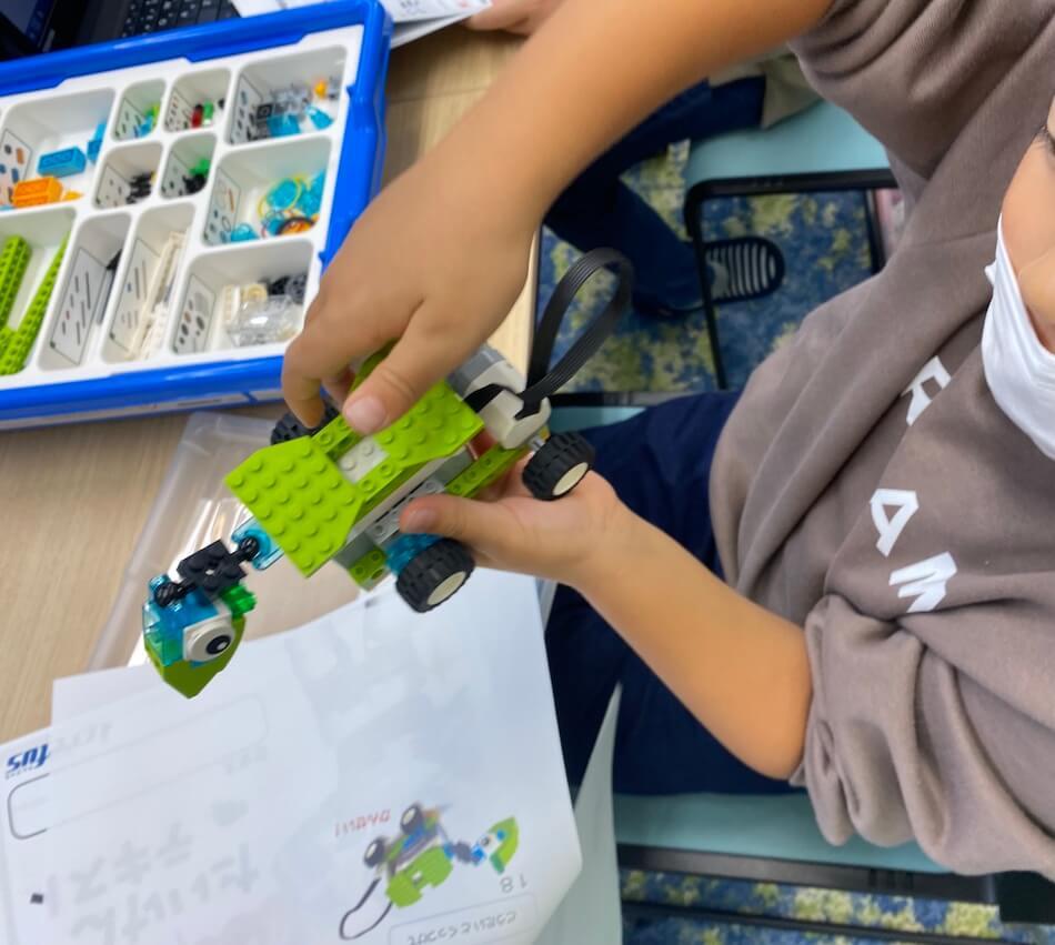 小1息子が作ったロボット